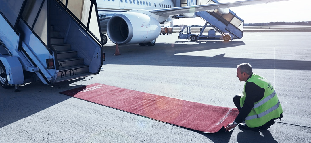FBO services - Our dedicated team of VIP handling specialists literally rolls out the red carpet for you.